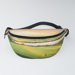 Golfing at the 'Gong Fanny Pack
