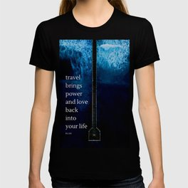 """Rumi Quote """"travel brings power and love back into your life"""" T-shirt"""