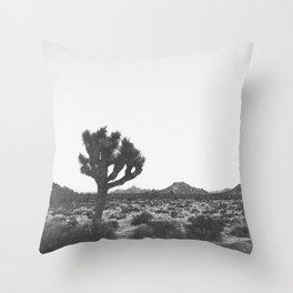 JOSHUA TREE / California Throw Pillow