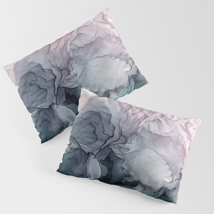 Blush and Payne's Grey Flowing Abstract Painting Kissenbezug