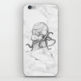 Octopus dreams iPhone Skin