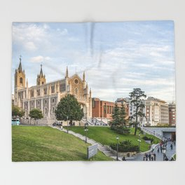 El Prado Museum. Madrid Throw Blanket
