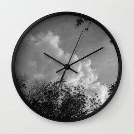 Donde habitan los ángeles #3 Wall Clock