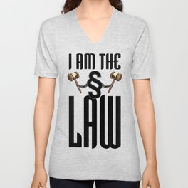 I am the law / 3D render of section sign holding judges gavels Unisex V-Neck
