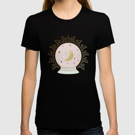 Magical Crystal Ball - tarot illustration T-shirt
