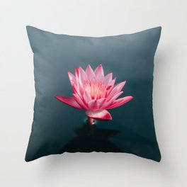 Nenuphar Maldives Throw Pillow