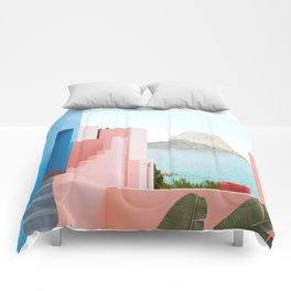 Muralla Roja Comforters