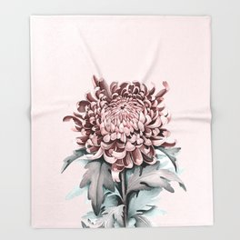 Flowers near me 5 Throw Blanket