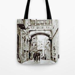Carrer del Bisbe - Barcelona Black and White Tote Bag