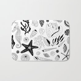 Tropical underwater creatures and seaweeds Bath Mat