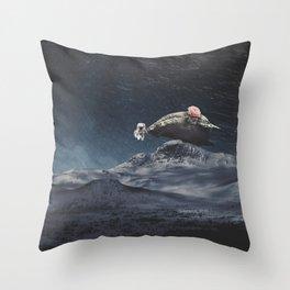 Amor de Ballena Throw Pillow