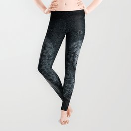 Gravity / Vintage portrait of Sir Isaac Newton Leggings