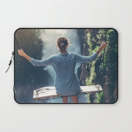 She Believes (Color) Laptop Sleeve