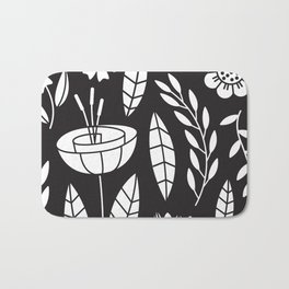 Blooming Field - black Bath Mat