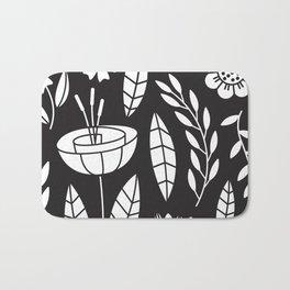 Blooming Field - black Bath Mat