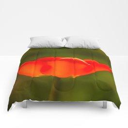 La tulipe orange Comforters