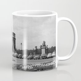 Place du Carrousel, met op de achtergrond de Arc de triomphe du Caroussel en het, Bestanddeelnr 254 Coffee Mug