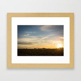 Ocaso en la marisma Framed Art Print