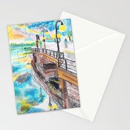 El cielo reflejado bajo un puente Stationery Cards