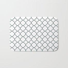 Grey, Steel: Quatrefoil Clover Pattern Bath Mat