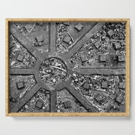 High Contrast Manhole Cover Serving Tray