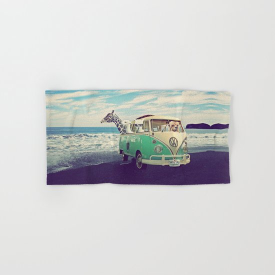 NEVER STOP EXPLORING THE BEACH Hand & Bath Towel