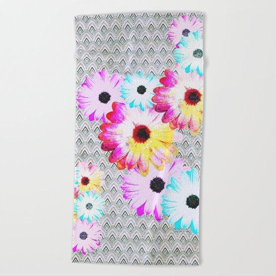 Pop [Happy field] Beach Towel