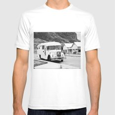 Old Bus in the street. White MEDIUM Mens Fitted Tee