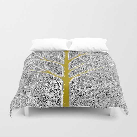 Let it snow! Tree in a beautiful winter snowy day Duvet Cover