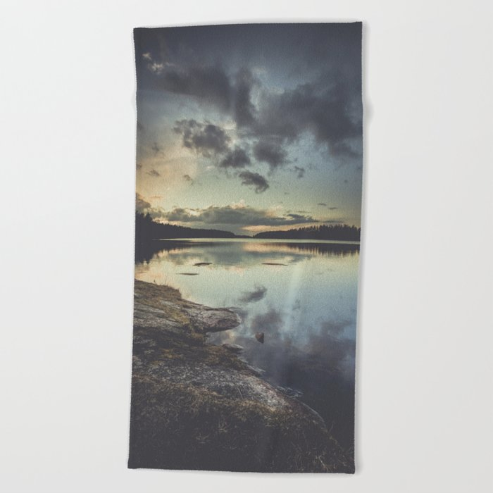 I see the love in you Beach Towel