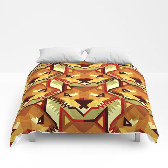 The Bold Wolf pattern Comforters