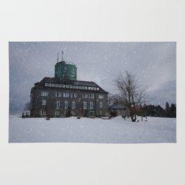 Snowy Kahler Asten Tower Rug