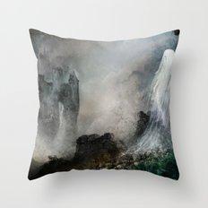 Château Noir pour Dame Blanche Throw Pillow