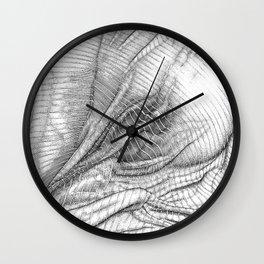 ASC 634 - Le drapé (Paranormal activity) Wall Clock