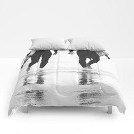 Catch a wave III Comforters