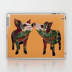 pig love amber Laptop & iPad Skin