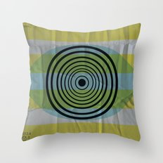 Auge gebumst Throw Pillow