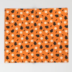 Volley Crows! Throw Blanket
