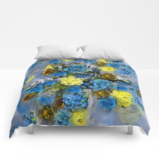 HYDRANGEA AND ROSES Comforters