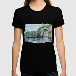 Maori carving on the lack Taupo, New Zealand T-shirt