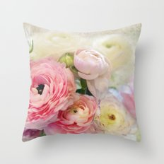 le fleur Throw Pillow