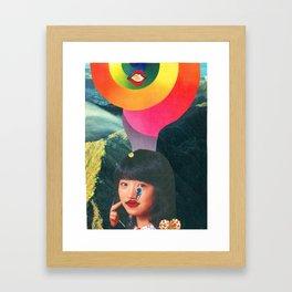 Teen Kiss en Kamehameha Framed Art Print