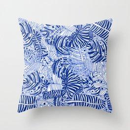selva azul Throw Pillow