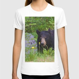 Black bear munches on some dandelions in Jasper National Park T-shirt
