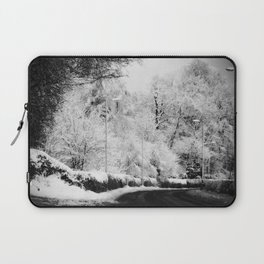 Snow Right Turn Laptop Sleeve