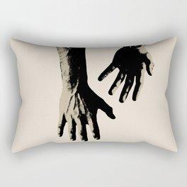 echando raíces Rectangular Pillow