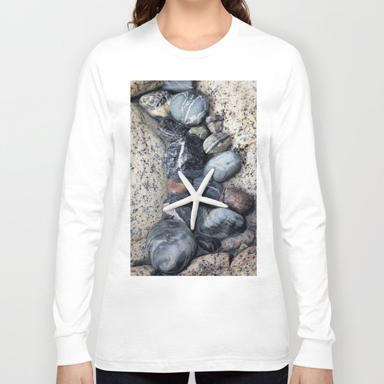 Starfish and pebble on beach Long Sleeve T-shirt