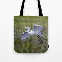 Egret in Flight Tote Bag