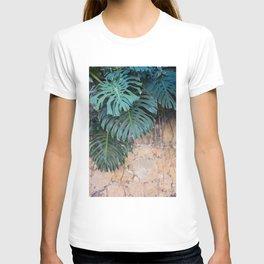Monstera Print, Tropical Green Beauty T-shirt