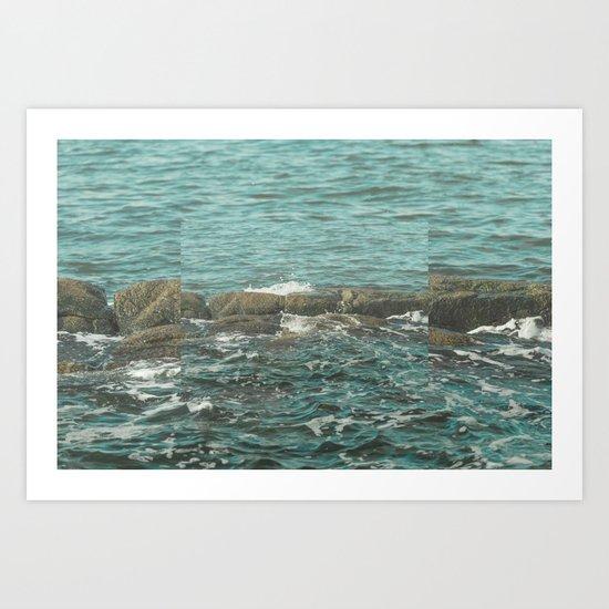 Waves on the Rocks Art Print